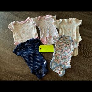 Baby girl (Size 0-3 Months)